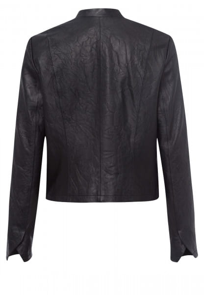 Short jacket made from crushed leather