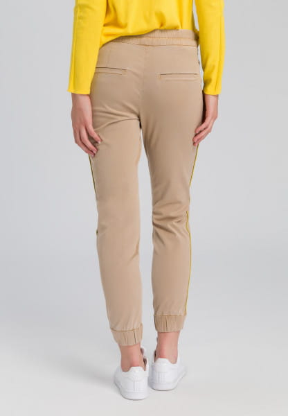 Pants in jogging style