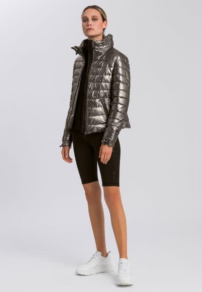 Outdoor short jacket in metallic style