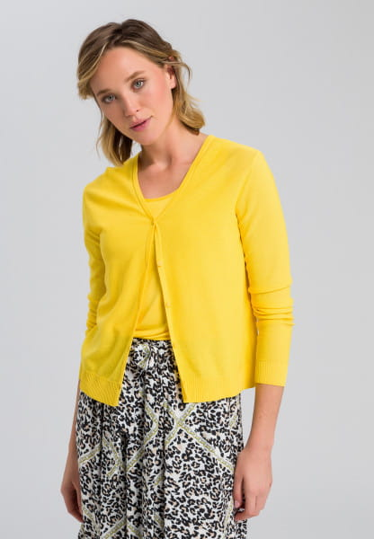 Basic cardigan with fine structure