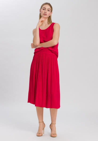 Top with rounded hem