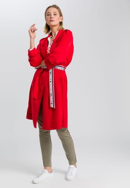 Mantel aus elastischem Satin