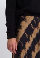 Skirt In batik strip printing