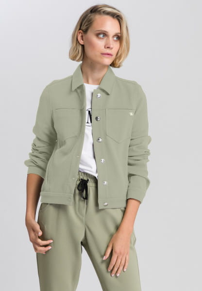 Jacket with haptic structure