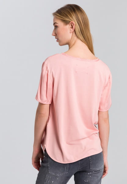 Blouse shirt with attached pocket