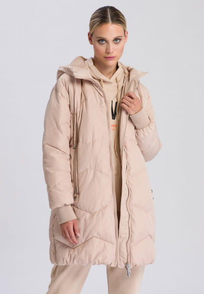 Quilted jacket with subtle zigzag pattern