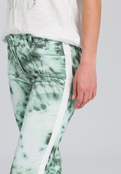 5-pocket tie-dye print with sideband