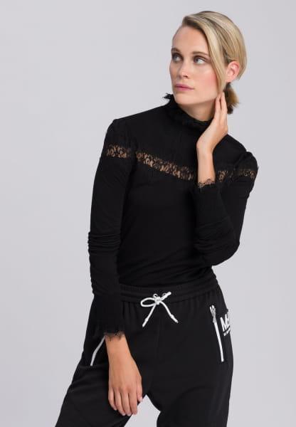 Longsleeve with ornamental lace insert