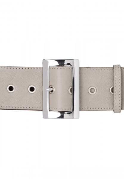 Wide belt with rectangular buckle