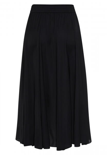 Skirt with a generously flared fit