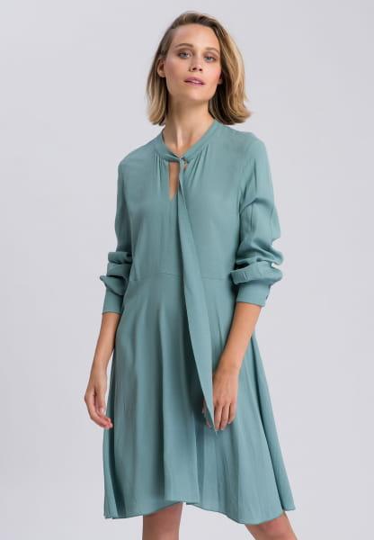 Midi dress with implied key