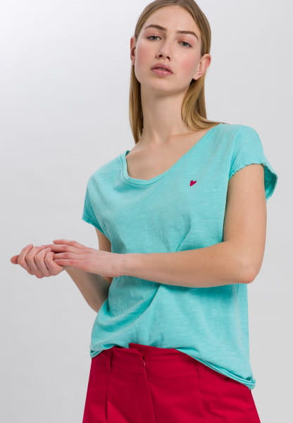 T-shirt with small embroidery