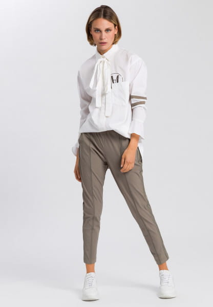 Oversize shirt with tie-neck