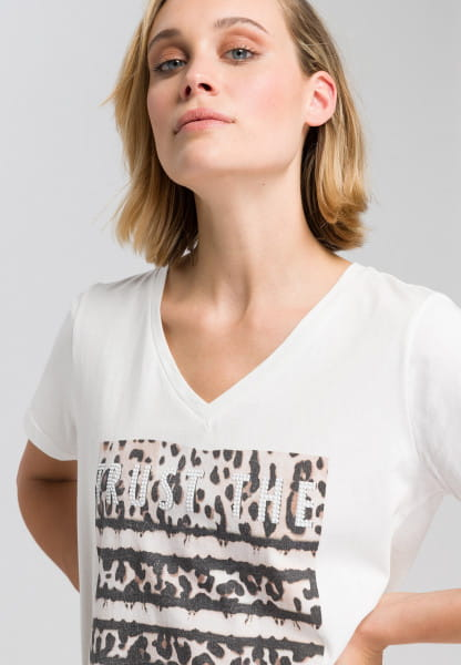 T-shirt with leo front print