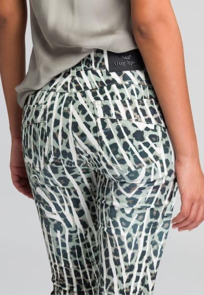 5-pocket with striking animal print
