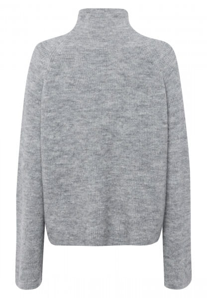 Sweater with wonderfully soft material quality