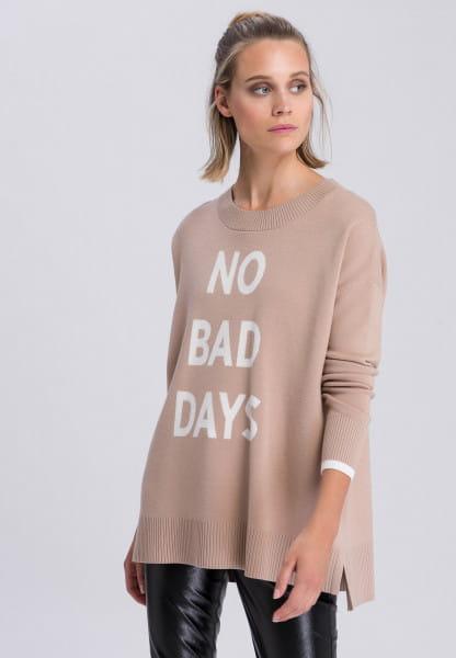 Sweater big slogan