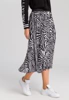 Pleated skirt with zebra print