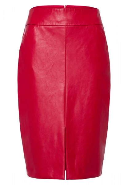 Skirt made from vegan faux leather