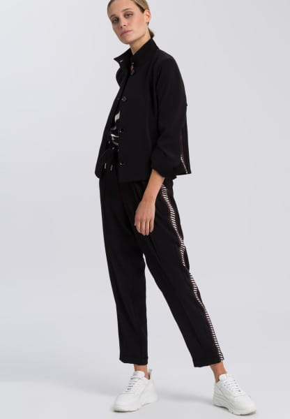 Jacket made from crease-free fabric with stripe