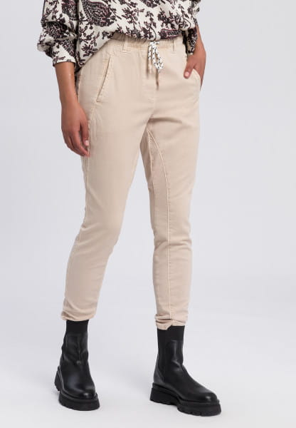 Jogging pants made from sustainable material