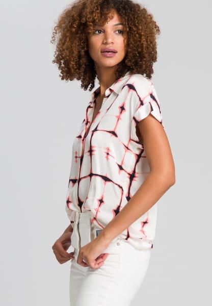 Hemdbluse mit grafischem Batikprint