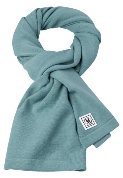 Fine knit scarf in generous width