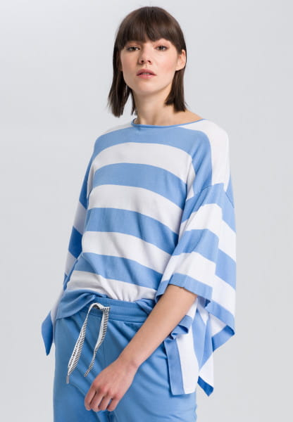 Striped pullover with wide sleeves