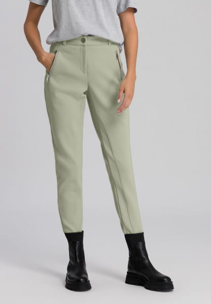 Pants in under-stated design