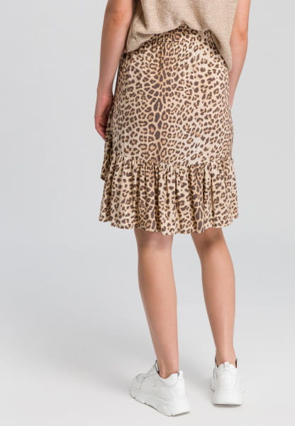 Ruffled skirt with leopard-print