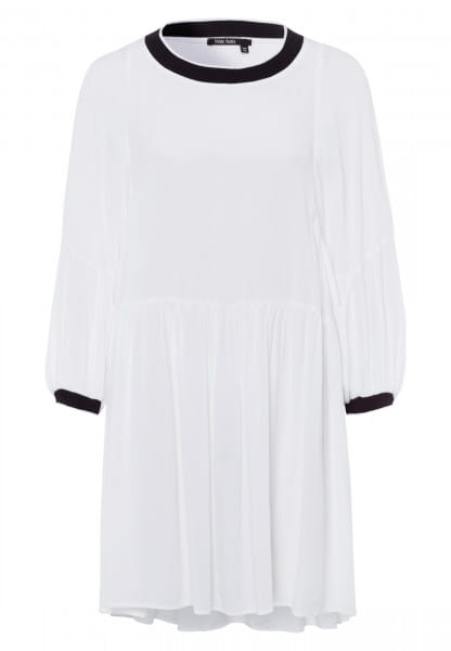 Tunic with contrasting screens