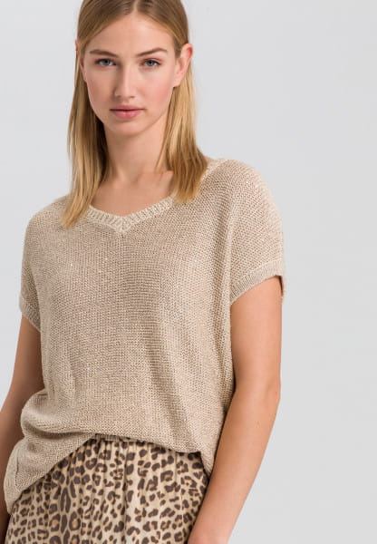 Knitted shirt with sequin details