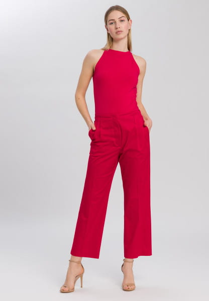 Pleated trousers from sporty cotton