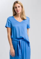 Blouse shirt of flowing satin