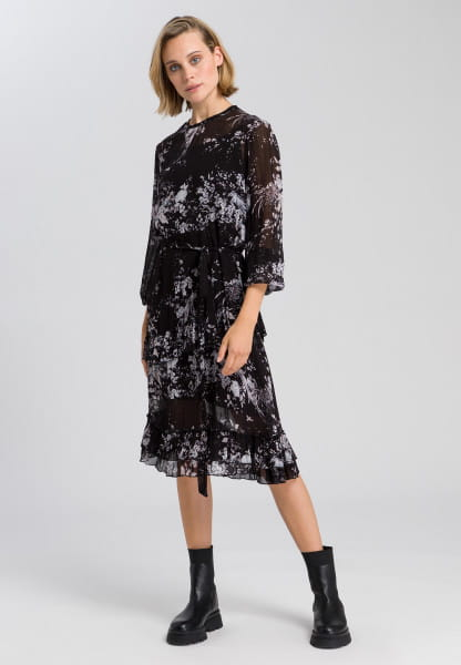 Dress with delicate flower pattern