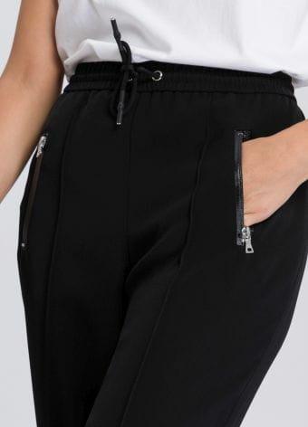 Jogpants mit Zipperdetails