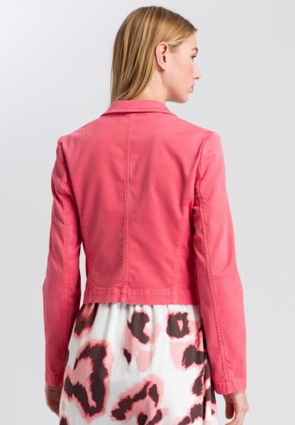 Short blazer in a sporty look