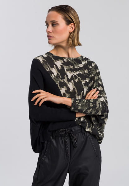 Poncho jumper with abstract camouflage print