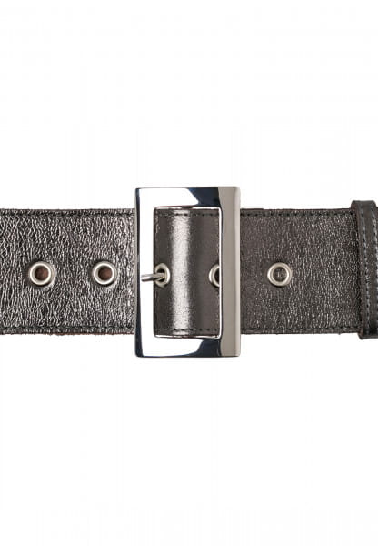 Wide belt in emphatically restrained design