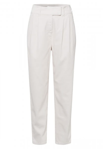 Pleated trousers made from structured twill
