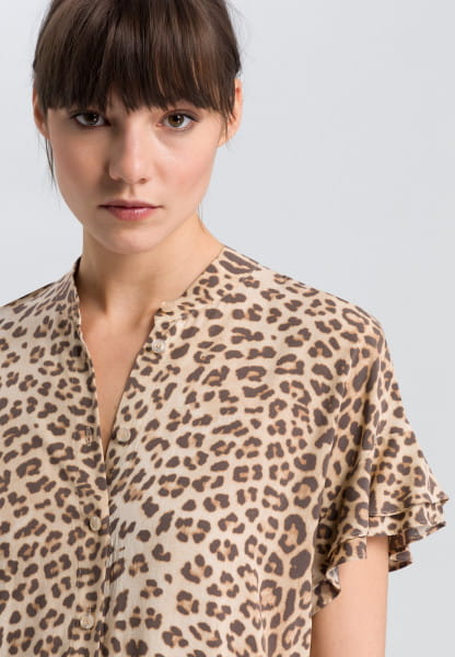 Shirt blouse with Leo-print