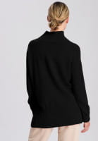 Sweater with extended back