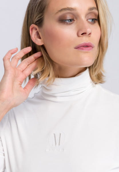 Turtleneck sweater made from soft flowing viscose mix