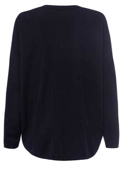 V-neck jumper in oversized style